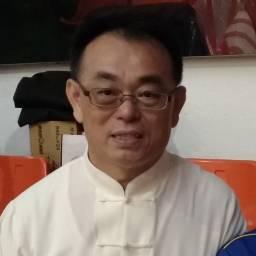 陳岳龍 講師